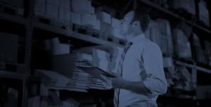 warehouse management employee