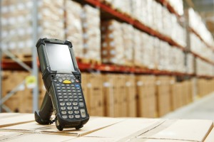 Royal_4_barcode_scanner_in_warehouse