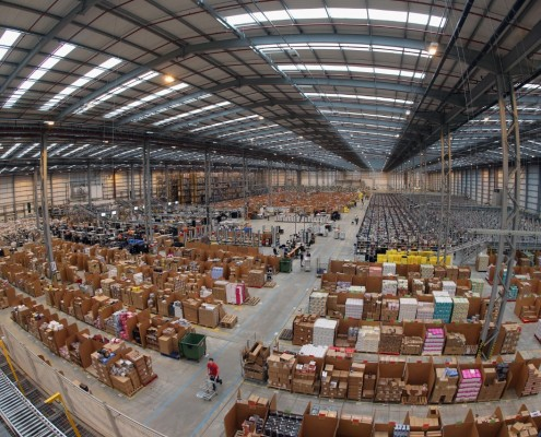 Warehouse_using_Royal_4_RFID_for_asset_tracking