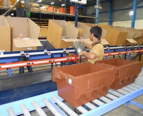 Royal_4_warehouse_worker_picks_seasonal_items