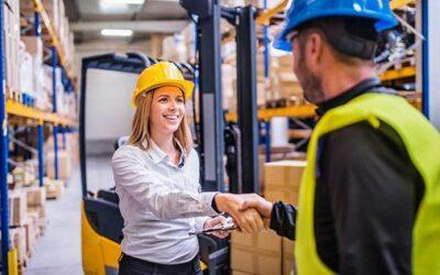 5 måter å tiltrekke seg og beholde lagerarbeidere
